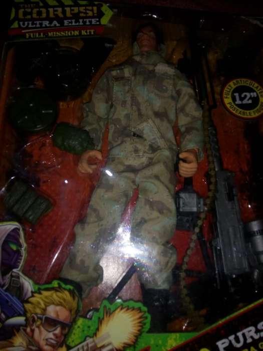 Soldado Militar con Equipo Guerrilla