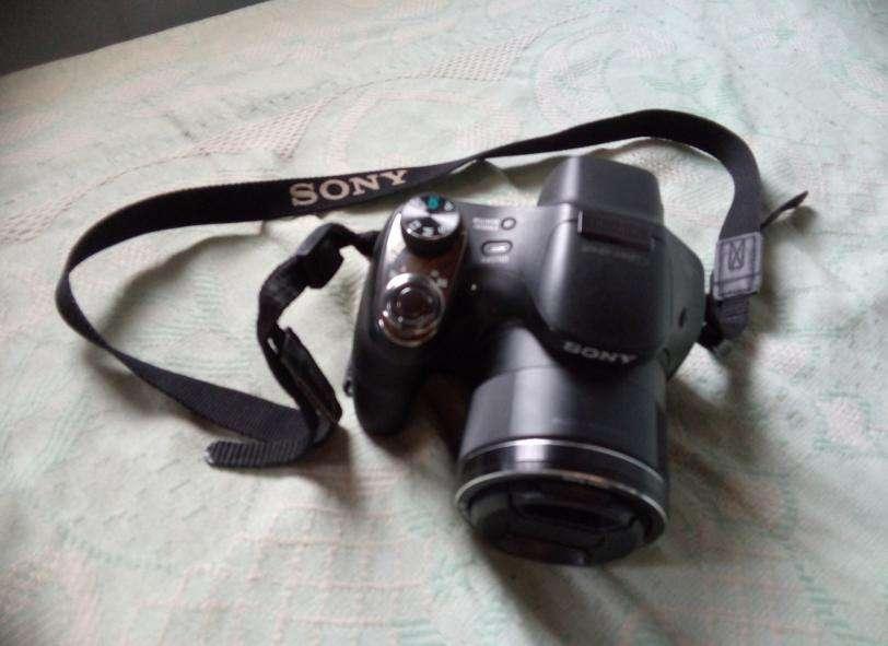 Camara Sony Dsc H400 Zoom Óptico De 63x Maletin sd