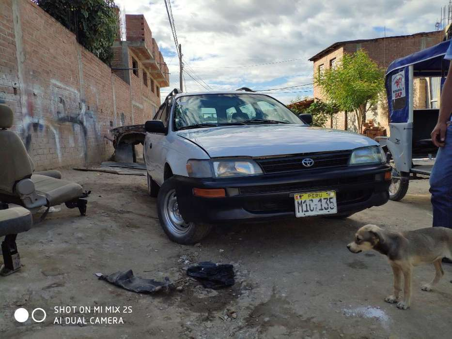 Toyota Corolla 1999 - 250000 km