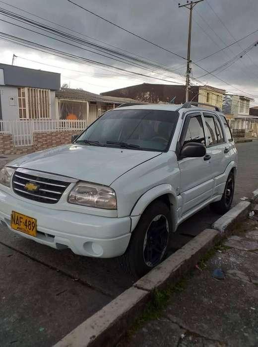 Chevrolet Grand Vitara 2002 - 235000 km