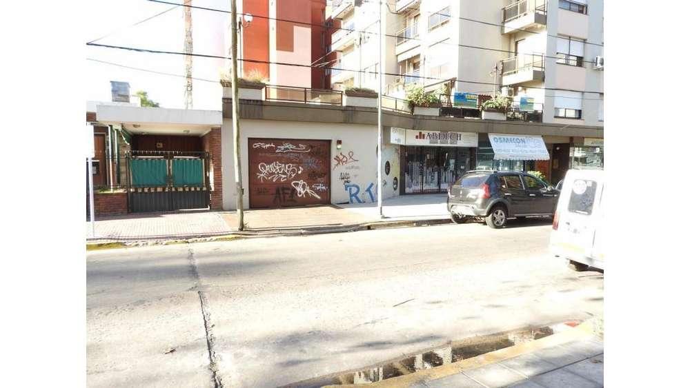 Buenos Aires 4800 - UD 15.000 - Cochera en Venta