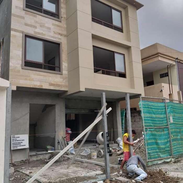 Condominio en Venta en Kenndy Norte, Cerca de World Trade Center