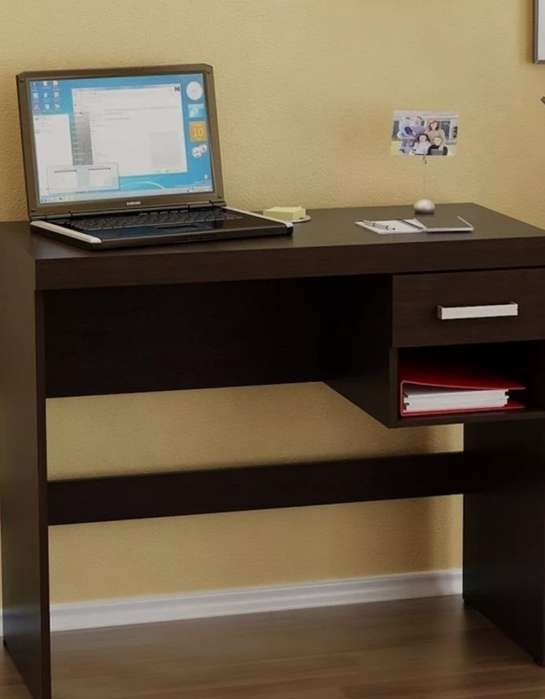 <strong>escritorio</strong> color marrn wengue impecable armado