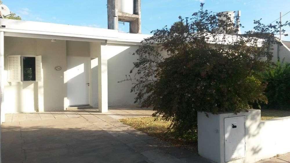 Casa en Alquiler en , 8800