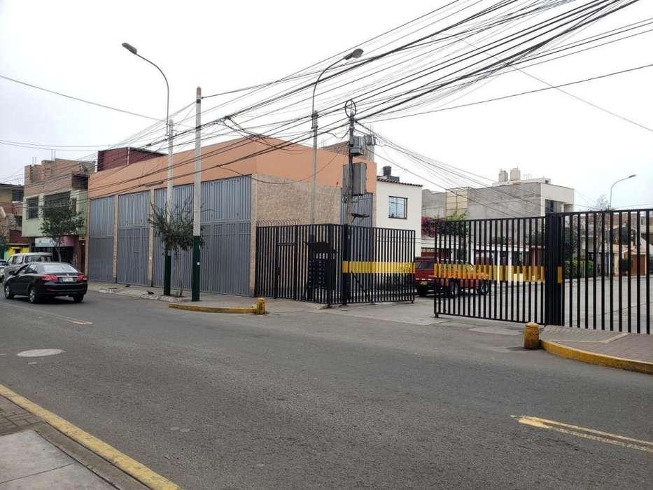 ALQUILER DE LOCALES COMERCIALES PARA EMPRESAS SANTIAGO SURCO