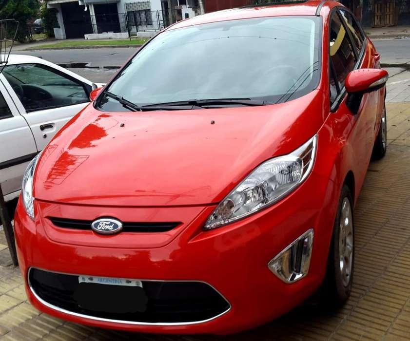 Ford Fiesta  2013 - 30000 km