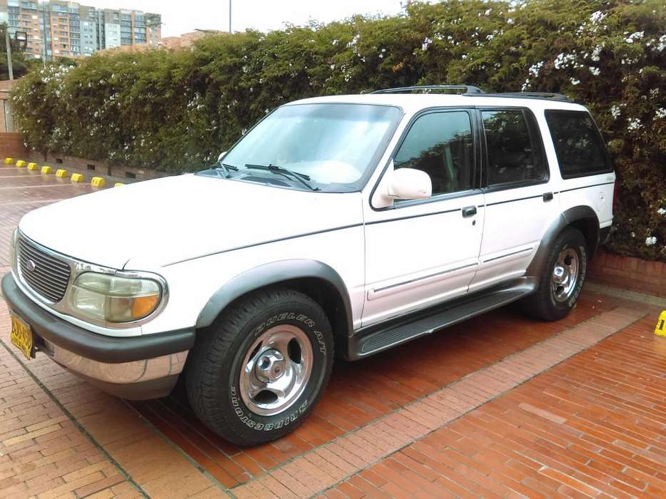 Ford Explorer 1998 - 290069 km