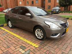 Vendo Nissan Versa Advance