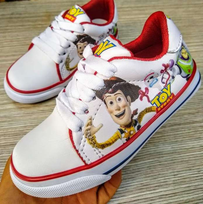 Tenis Toy Story desde 21 a 33