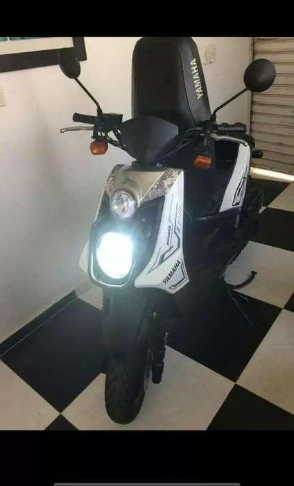 Vendo Moto Super Buena Esta Guardada