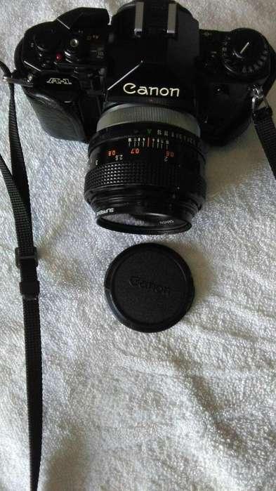 EQUIPO FOTOGRAFICO PROFESIONAL FLAMANTE TIENE VARIOS <strong>accesorios</strong>