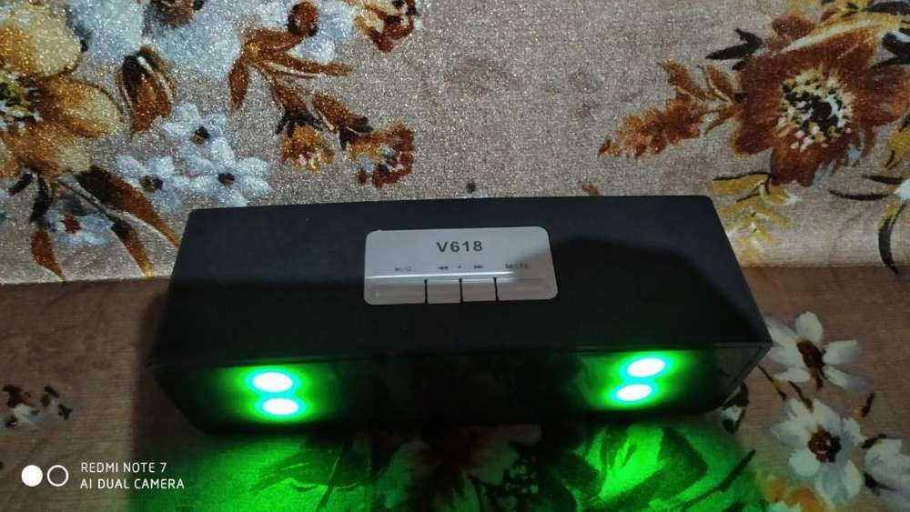 Parlante Bluetooth con Luces Led