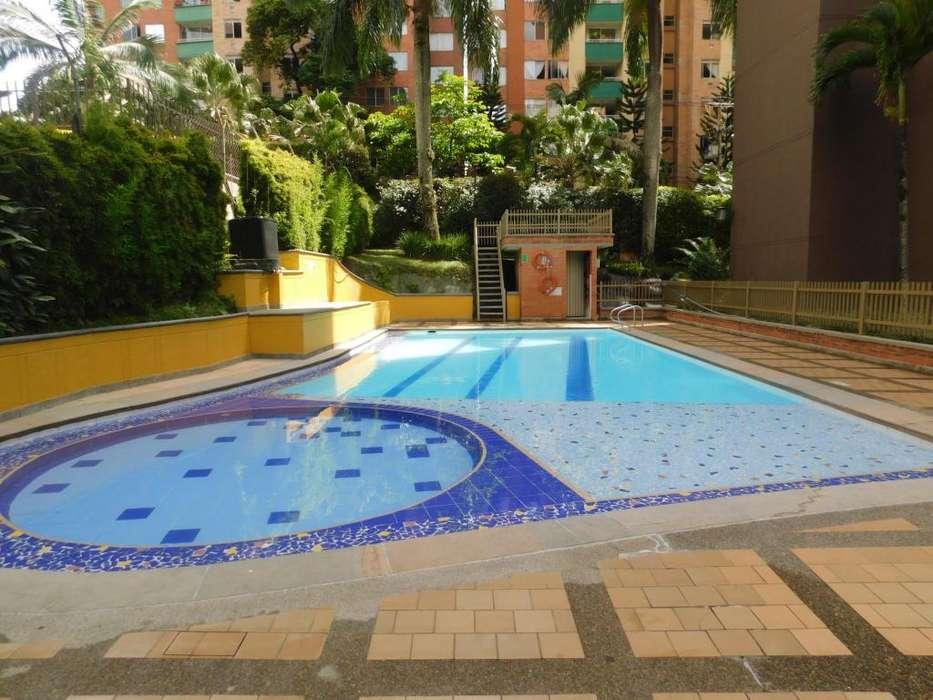 <strong>apartamento</strong> en venta Medellin Loma de los Bernal