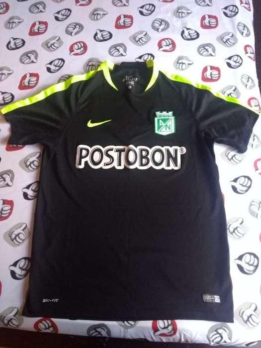 Camiseta Nacional Original Poco Uso