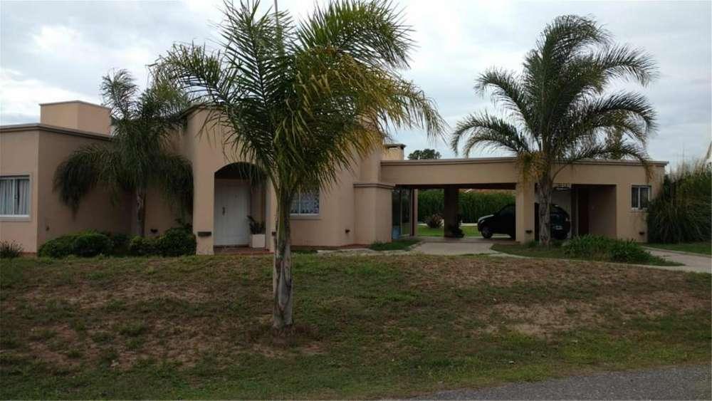 Casa En Villa Allende En Country San Isidro 100 - 26.000 - Casa Alquiler