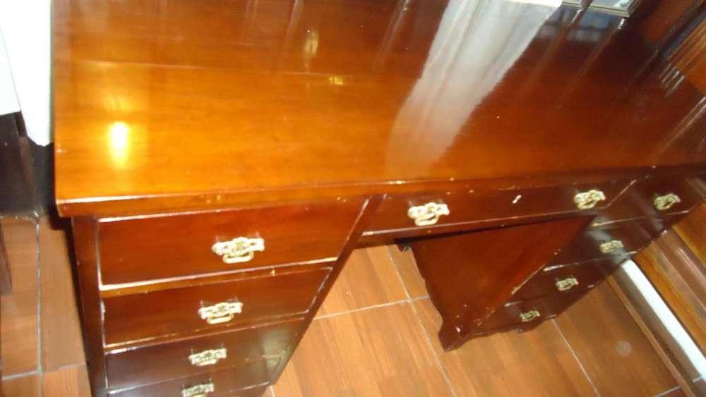 <strong>escritorio</strong> de Madera Antiguo