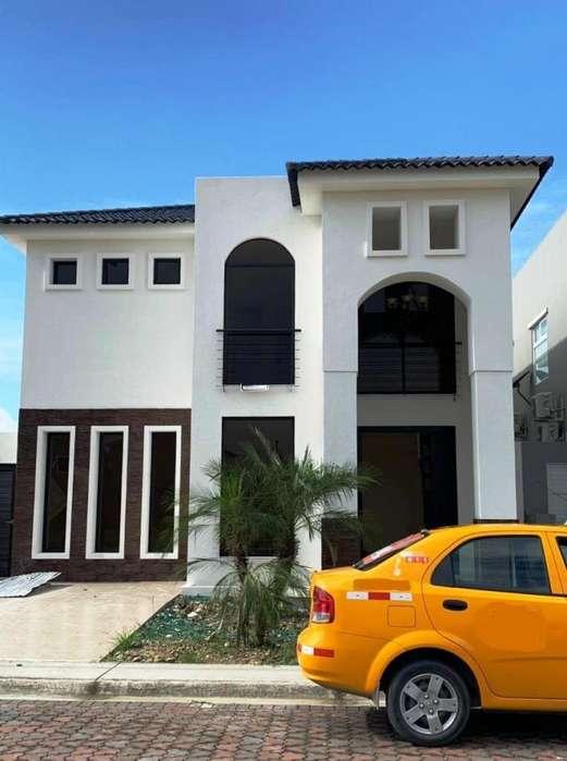 Venta Casa 260m2 construccion por estrenar <strong>ciudad</strong> Celeste e Isla Celeste