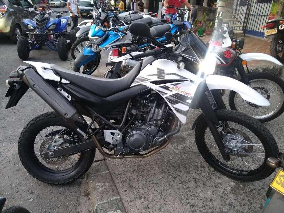 Xt 660 Blanca 2014