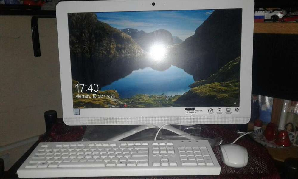 Pc Hp All In One 22-b208la