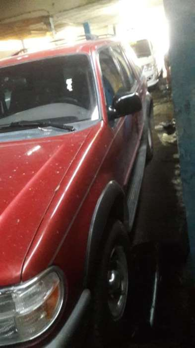 Ford Explorer 1997 - 155000 km