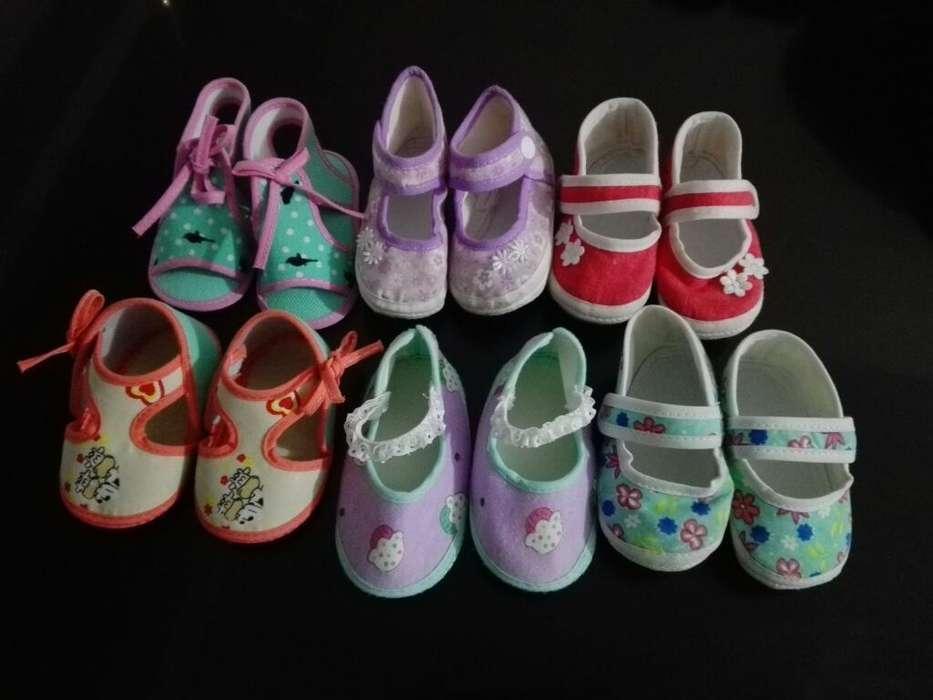 Se Vende Zapatos en Tela para Niña
