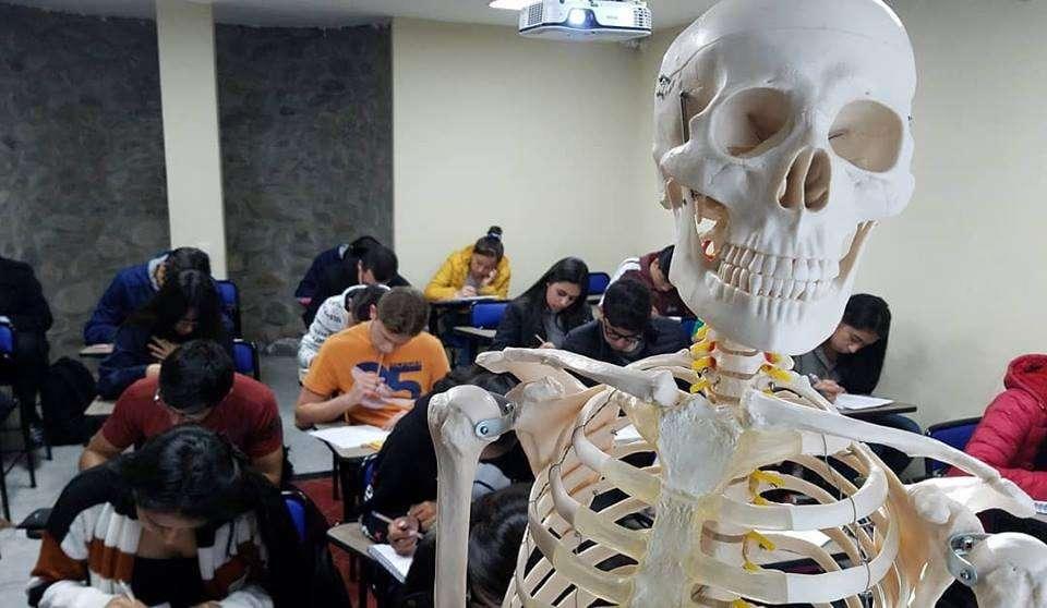 Examen de admisión. Examen de ingreso a la Universidad de Cuenca.