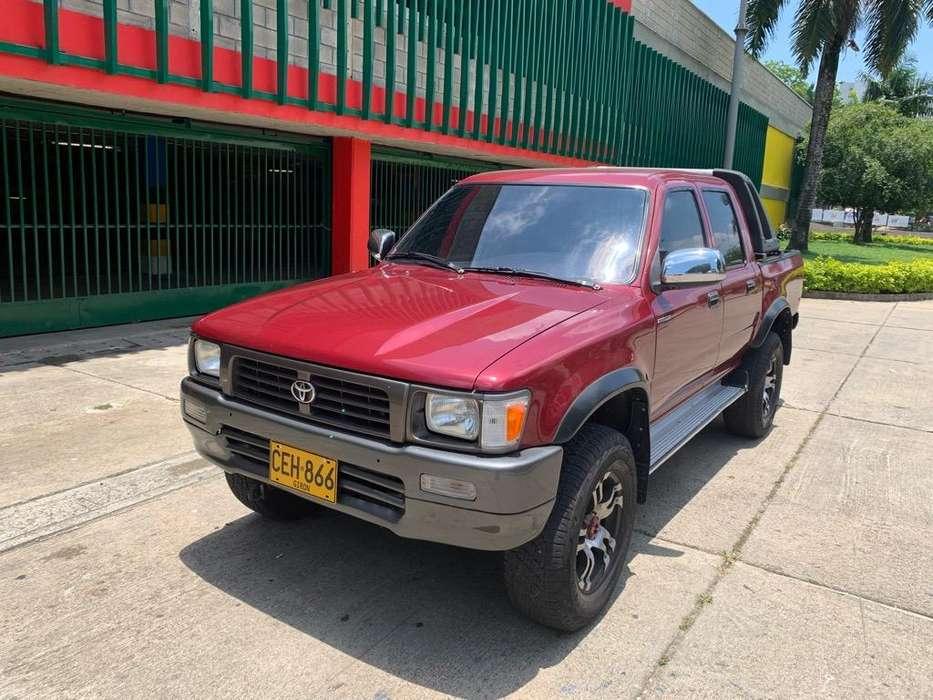 Toyota Hilux 1996 - 196000 km