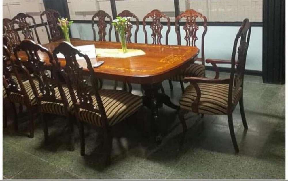 Mesa y <strong>silla</strong>s estilo frances antigua