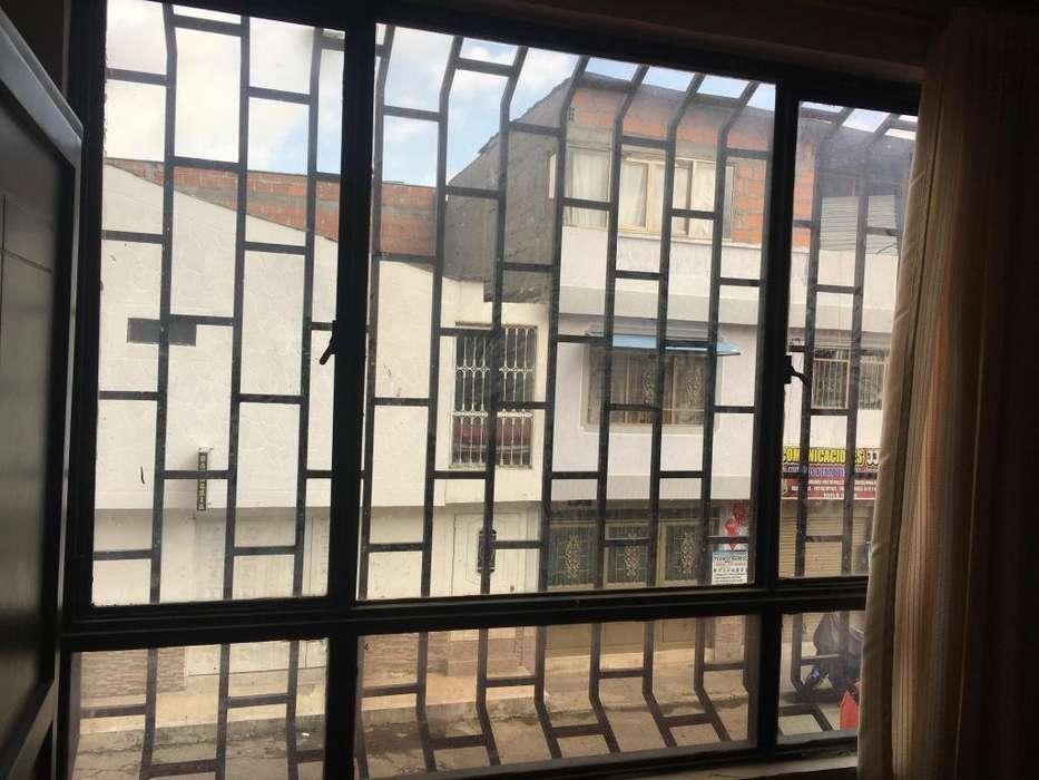 Vendo ventanas con vidrio en bronce