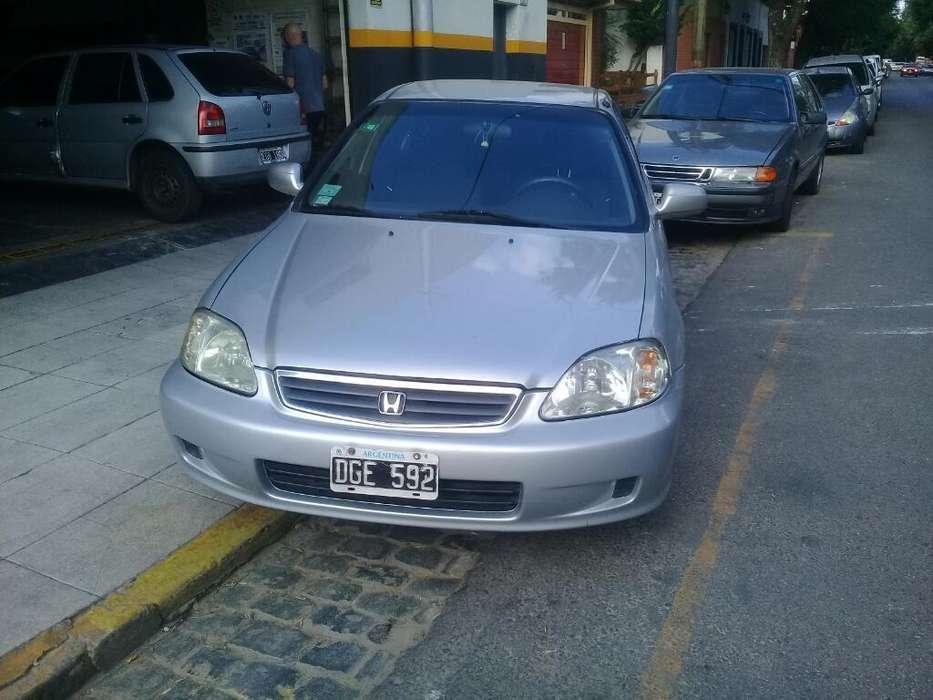 <strong>honda</strong> Civic 2000 - 200000 km