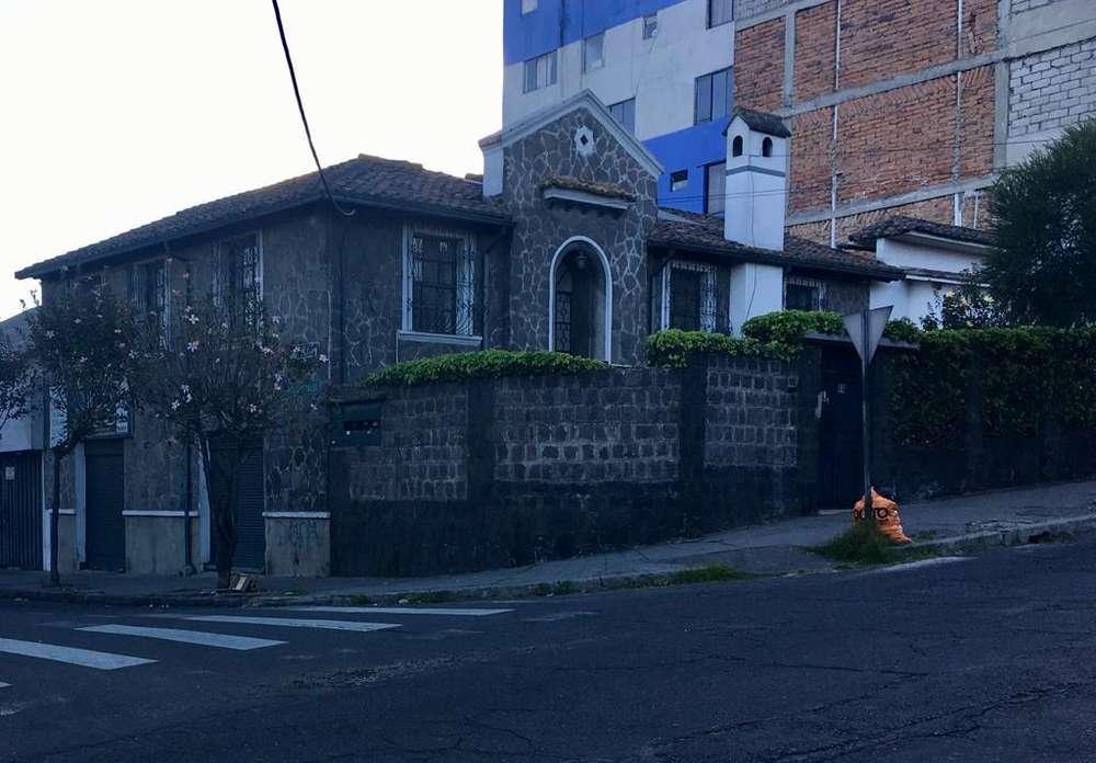 Casa de Arriendo / Renta / Alquiler, Cuero y Caicedo & Versalles, Centro Norte Quito