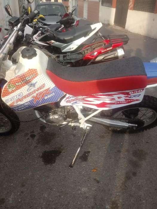 Vendo Moto <strong>honda</strong> 650. X R Del Año 90 Dob