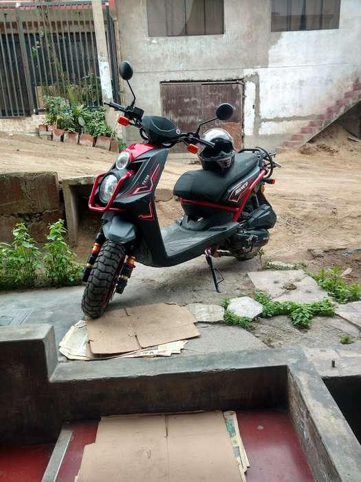 Vendo moto modelo TX150 scooter automática marca RONCO. viene con una amplia cajuela .