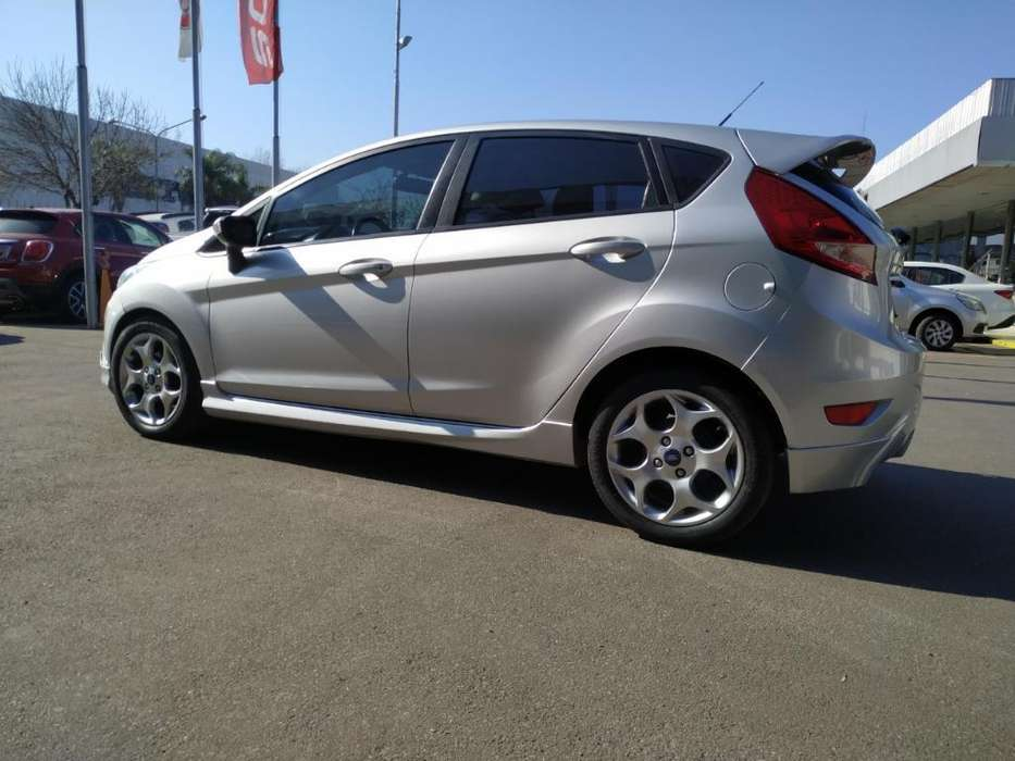 Ford Fiesta Kinetic 2013 - 77000 km