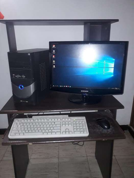 Vendo Pc de Mesa Mas Escritorio 600.000
