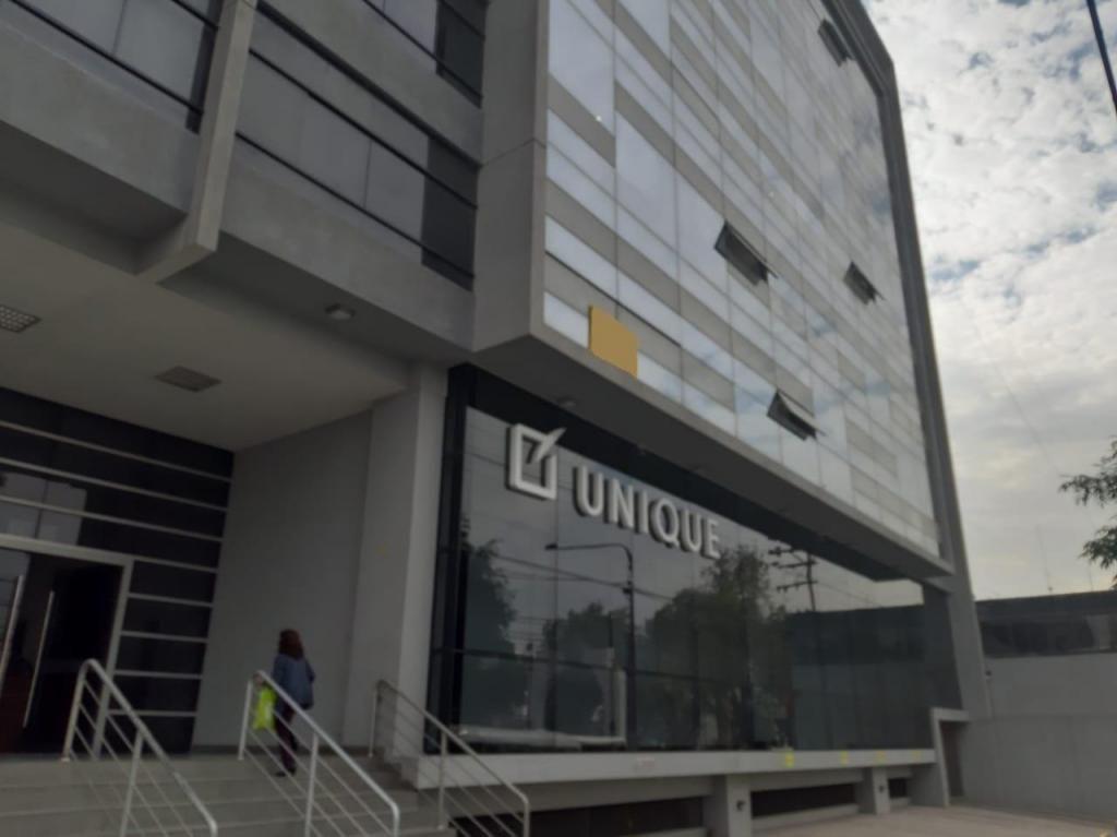 ALQUILER DE OFICINA EN AV. EJÉRCITO – #427