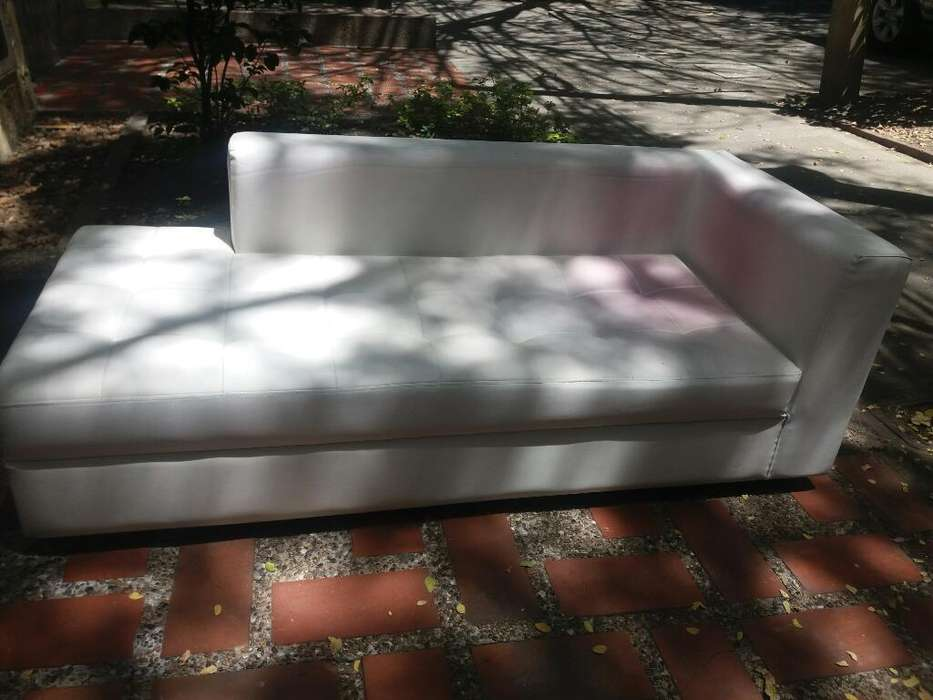 Se Vende Mueble Blanco Usado