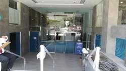Oficina en gris de 131 m2 con terraza, últimas unidades, entrega inmediata, ¡HASTA 10% de dcto!