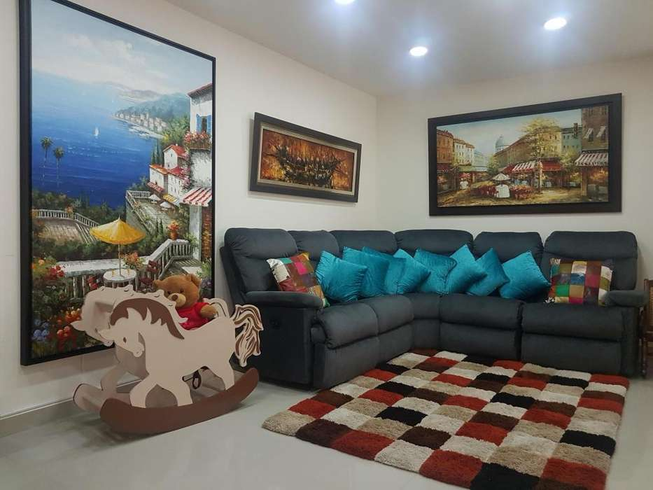 Vendo hermoso <strong>apartamento</strong> en Sotomayor, 90 metros, piso alto, remodelado, cerca a todo