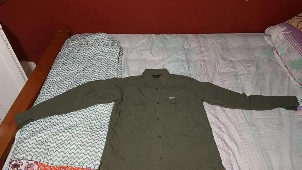 Camisa Montagne Botsuana M Como Nuevo