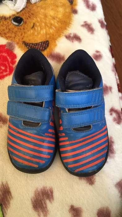 Vendo Zapatos de Niño Adidas