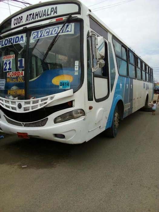 Bus en Buen Estado con Todo