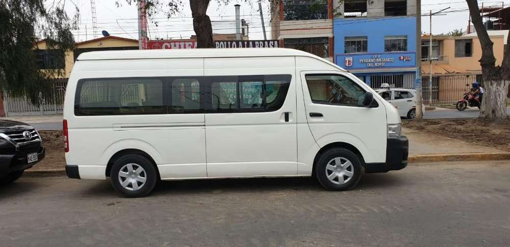 <strong>toyota</strong> Hiace 2013 - 72000 km