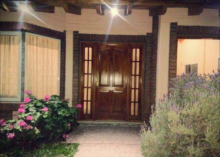 Hermosa Casa con Pileta enLas Paredes