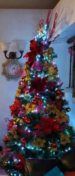 Arbol de Navidad Ytodos Estos Articulos