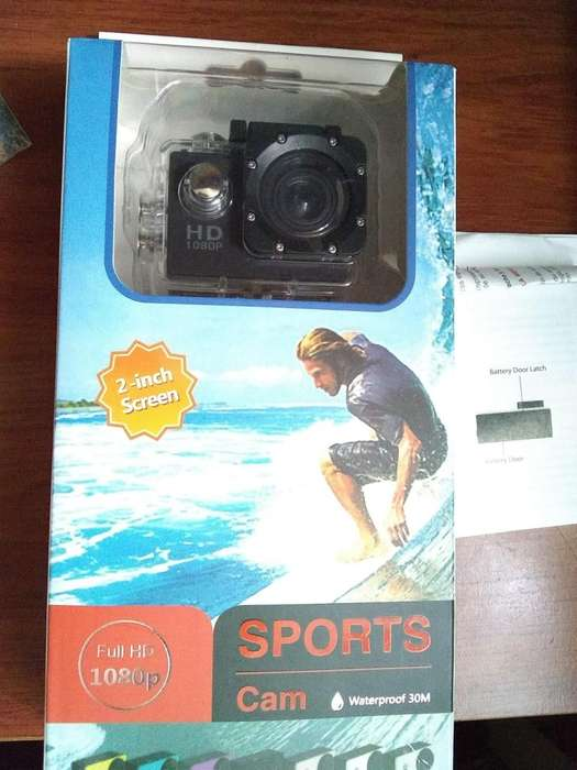 Cámara deportiva FULL HD 1080p sumergible en agua