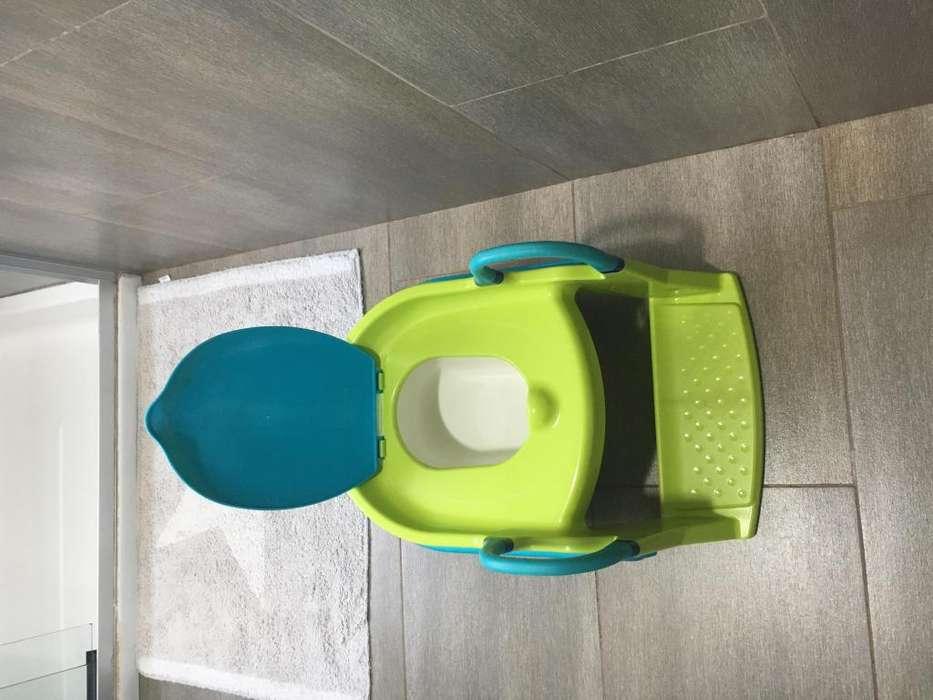 Pelela, asiento reductor con escalera Marca Chicco