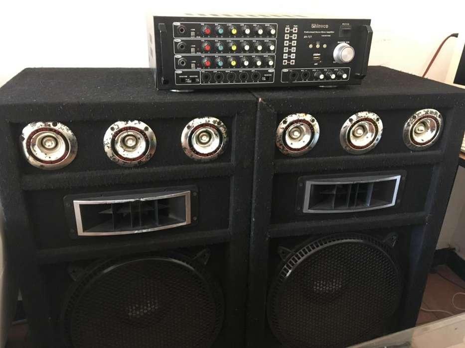 Equipo de sonido Maquina y dos bafles
