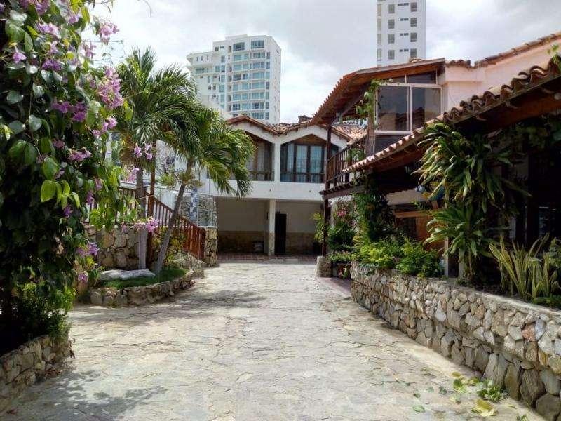 Casa En Venta En Santa Marta Rodadero Sur Cod. VBBGG-100234