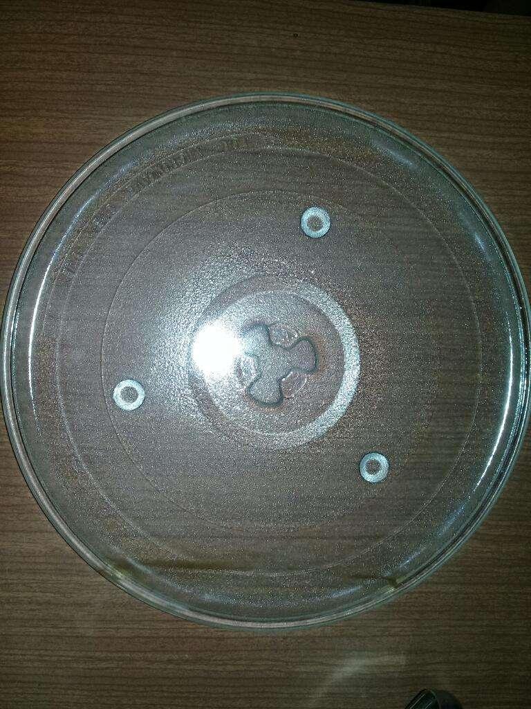 Plato Microondas 27 Cm Trébol con Aro